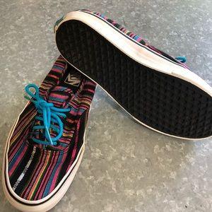 Vans Lace Up Stripe Shoe! Men's 8.5 Women's 10